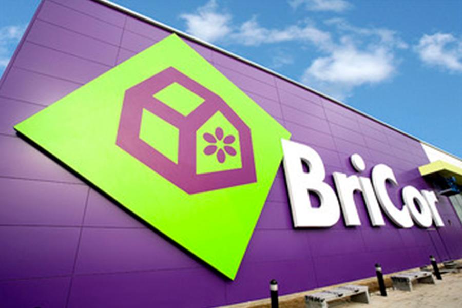 11 - El Corte Inglés closes its last Bricor store
